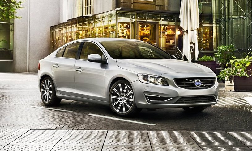 Volvo S60 Saloon T4 [190] R DESIGN Lux Nav 4dr [Leather]